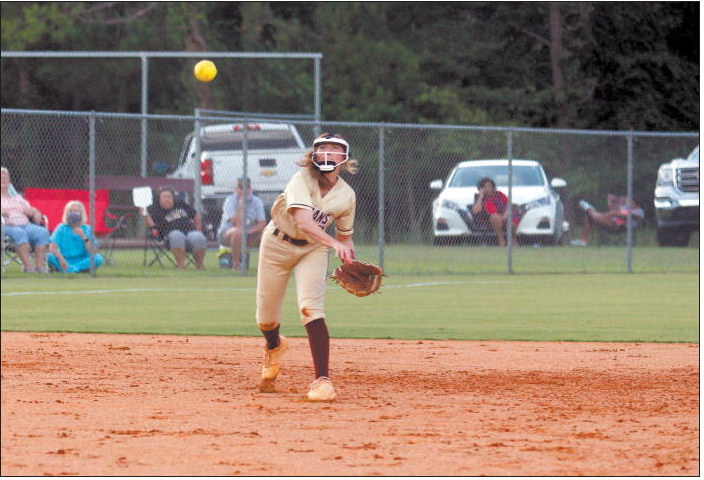 Indian Softball Goes 5-1 On The Week