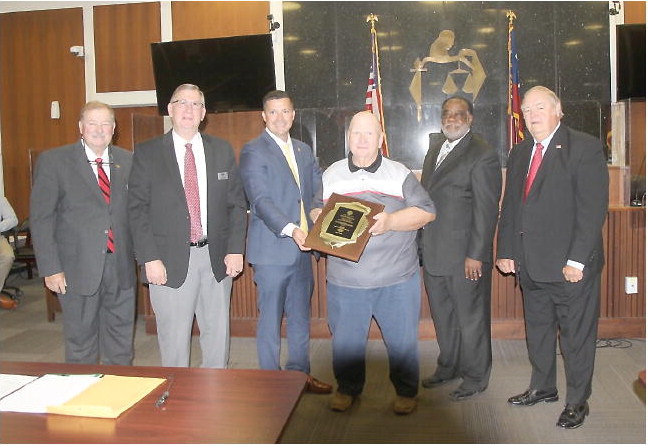 Toombs County Commission  Commends Employee's Service